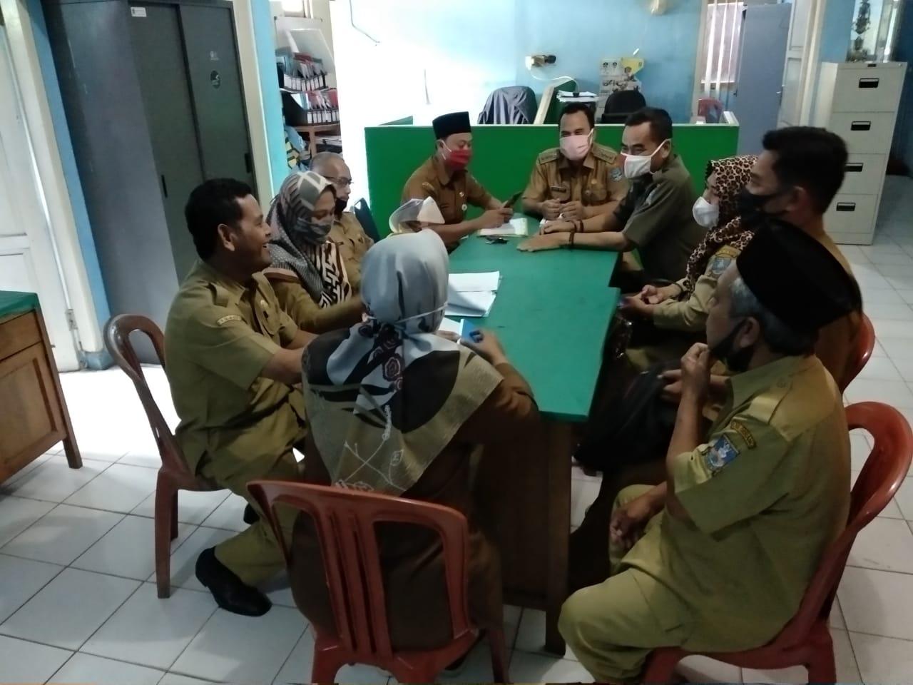 rapat-evaluasi-capaian-kinerja-kecamatan-baros-periode-triwulan-i-ta-2021